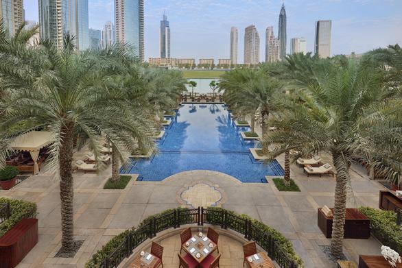 Piscinele din Dubai: The Palace Downtown
