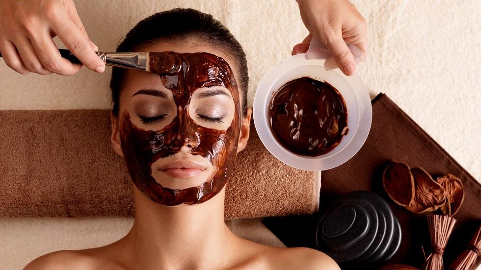 masca cu ciocolată pentru ten uscat