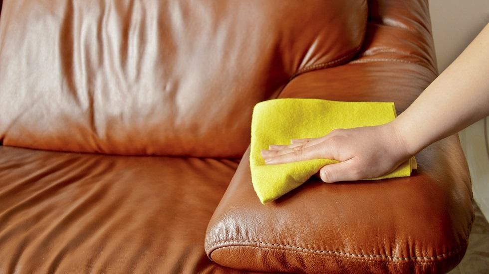 truc canapea din piele