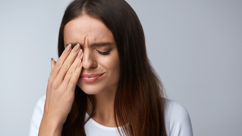 5 motive pentru care ți se zbate ochiul