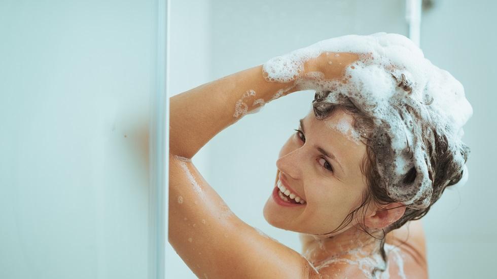 ce se întâmplă atunci când te speli mult prea des pe cap