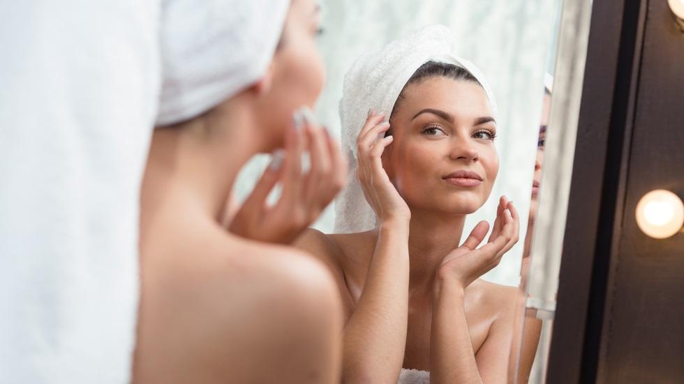 masajul care te ajută să arăți mai tânără în doar 10 zile