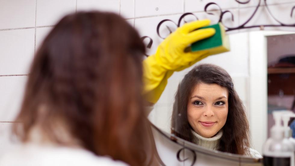 motivul pentru care oglinzile din casă trebuie să fie mereu curate