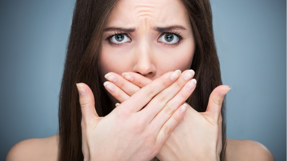 3 cauze care duc la apariția respirației urât mirositoare