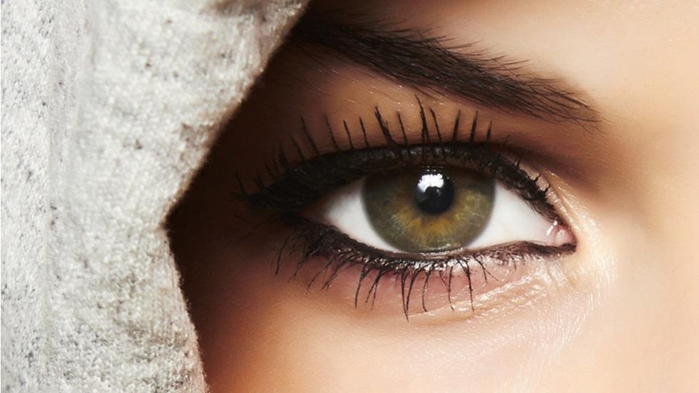 Machiajul ochilor cu pleoapa căzută