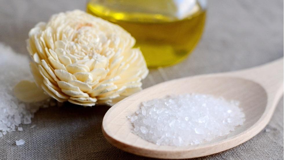 Exfoliantul care îți hidratează pielea și îți relaxează întreg organismul