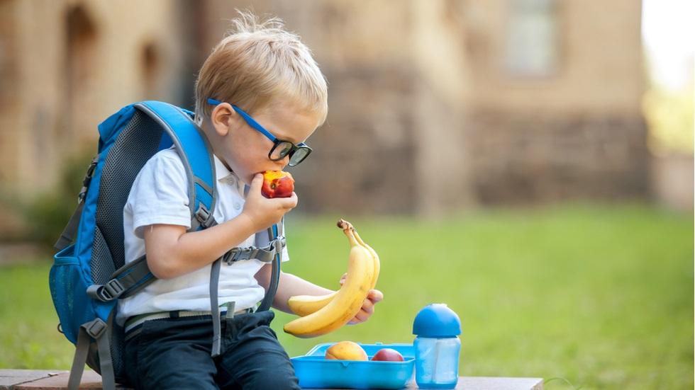 fructe și legume proaspete elevi