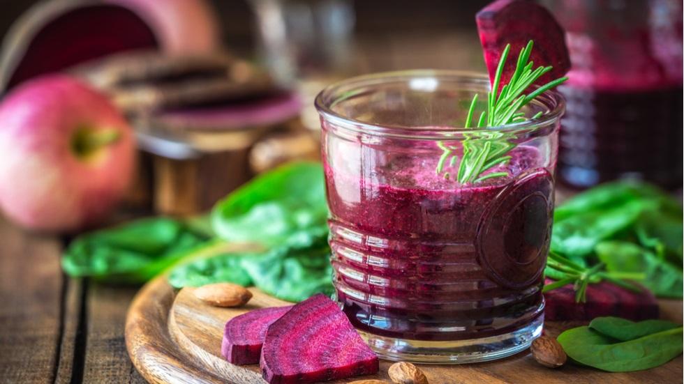 smoothie care te ajută să slăbești și să elimini toxinele din organism