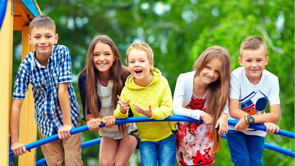 5 trucuri care te ajută să crești un copil fericit