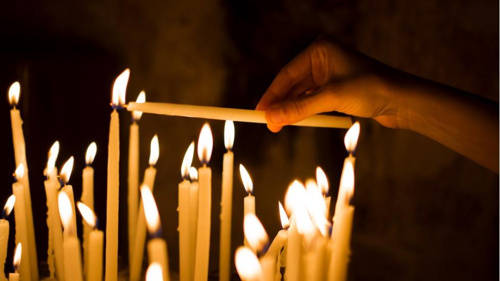 Ce puteri au lumânările aprinse în Joia Mare