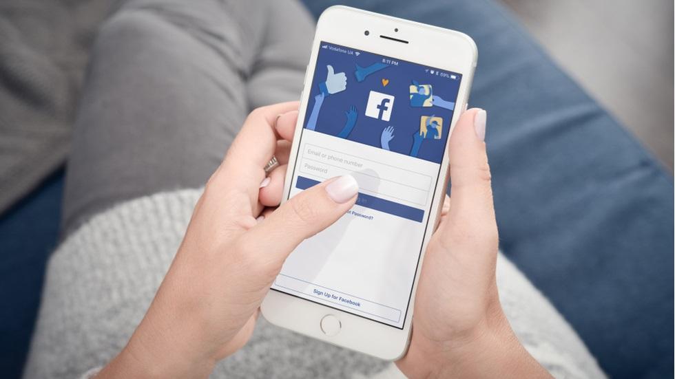 Cum te poți feri de pericolele de pe Facebook