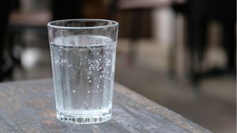 Ce legătură este între consumul de apă minerală și obezitate