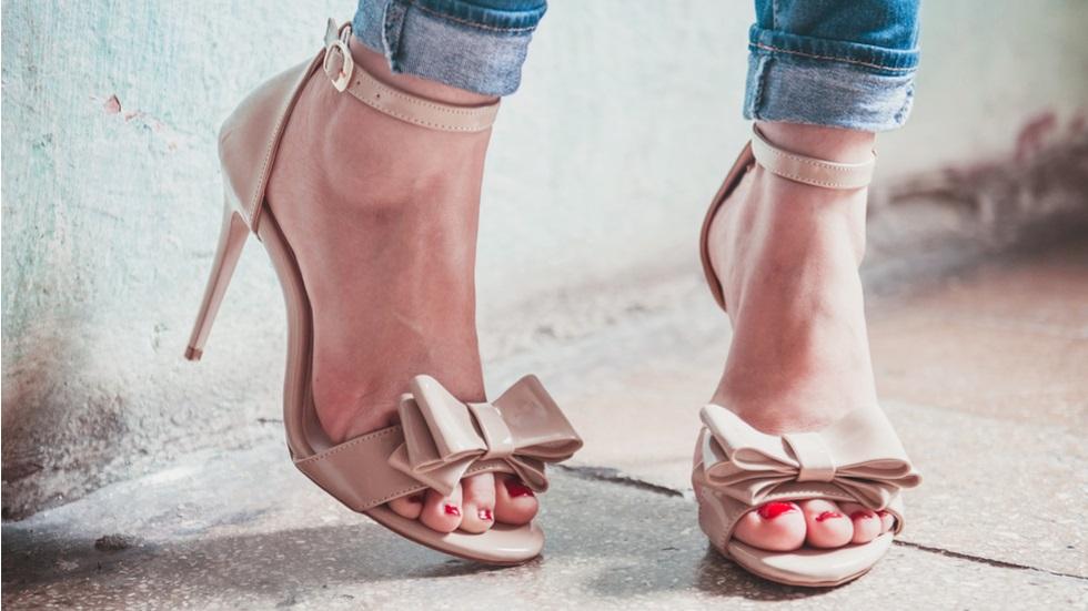 Cum îți pregătești picioarele pentru sezonul sandalelor