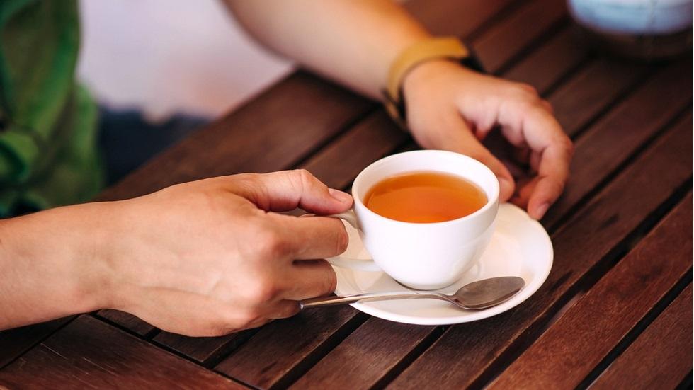 Cum ar trebui să consumi ceaiul dacă îți dorești să slăbești