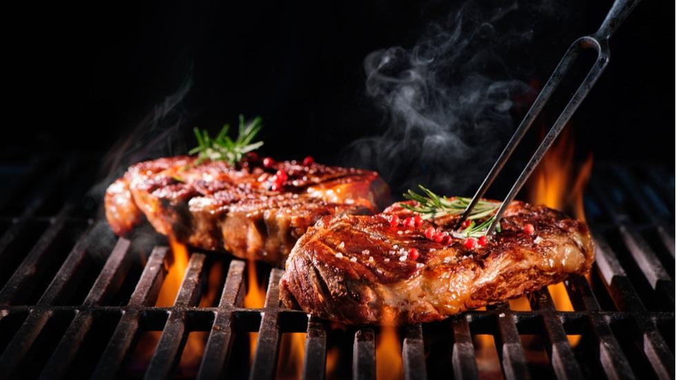 De ce este nocivă carnea gătită pe grătar