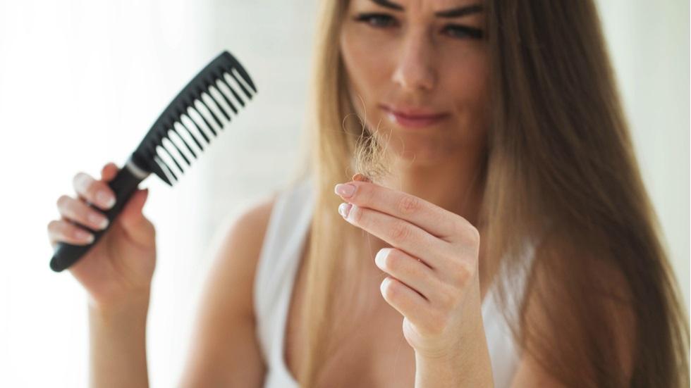 cauze care duc la căderea părului
