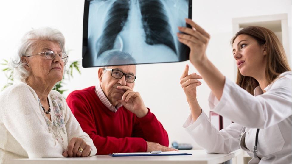 Analiza care ar putea depista cancerul pulmonar într-un stadiu incipient