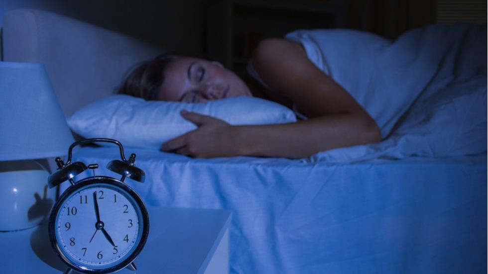 ce se întâmplă în organism dacă dormi mai mult sau mai puțin de 8 ore pe noapte