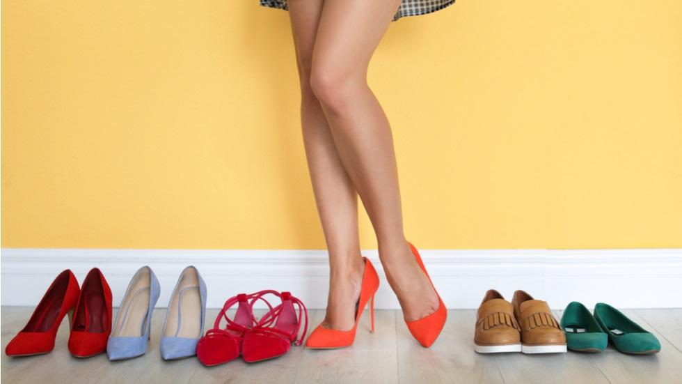 cum îți e afectată sănătatea de pantofii pe care îi porți