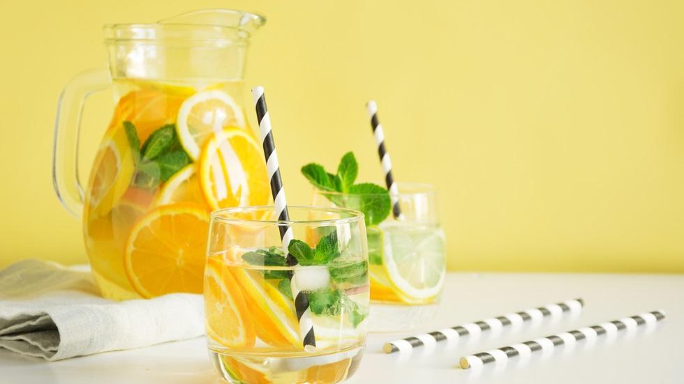 Trei băuturi pe bază de citrice care te ajută să slăbești rapid