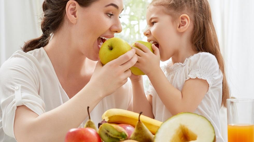fructele pe care ar trebui să le consumăm cu tot cu coajă
