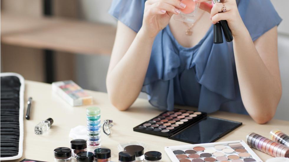 Produsele cosmetice și de îngrijire care pot duce la infertilitate și la cancer de sân