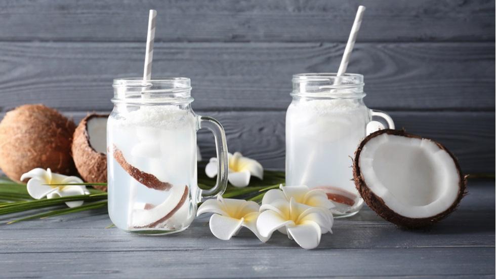 Apa de cocos, secretul organismului sănătos