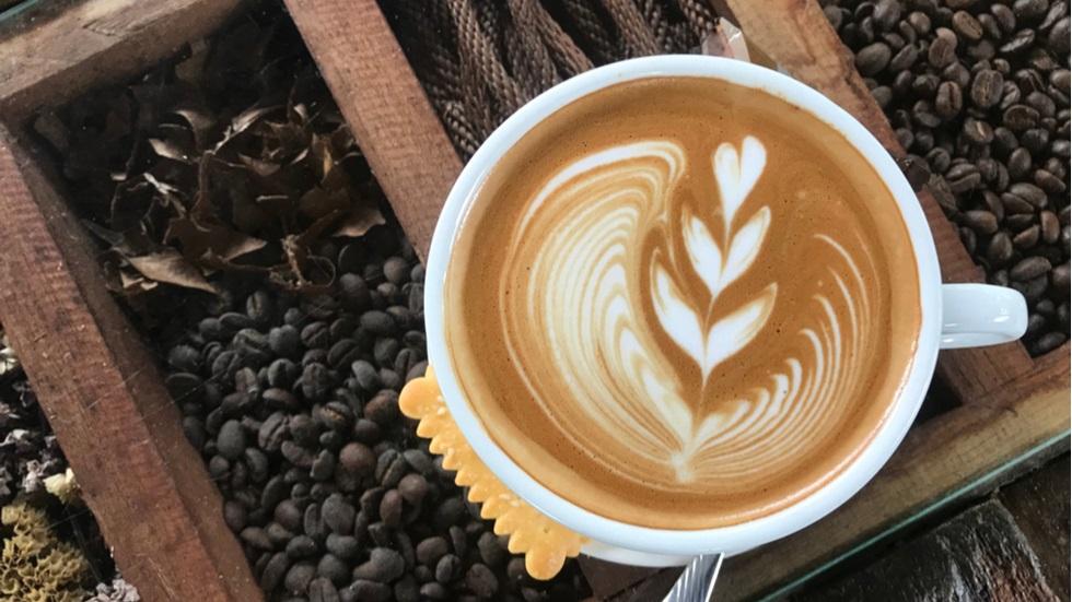 De ce ar trebui să consumi cafeaua întotdeauna fierbinte