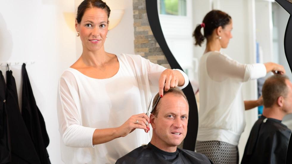 a mers să se tundă, iar sfatul hairstylistului i-a salvat viața