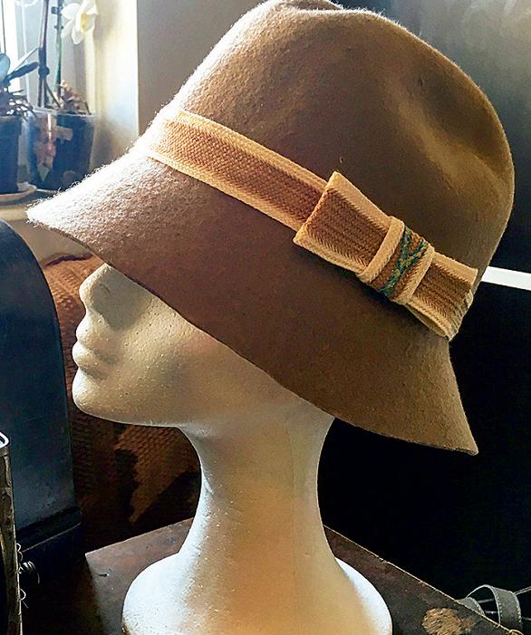 Mihaela Bachmann pălării