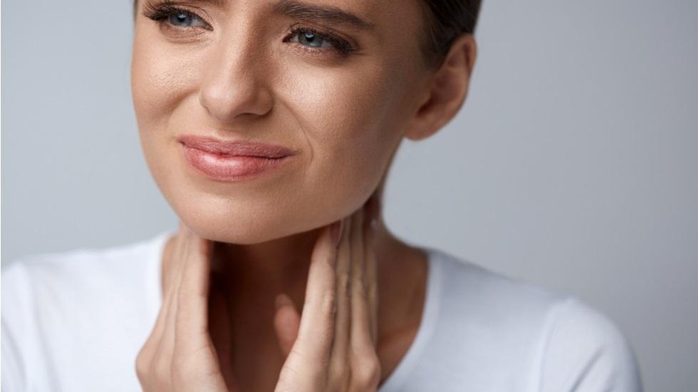 durerea persistentă în gât