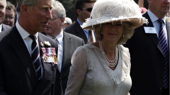 Printul Charles divorteaza de Camilla