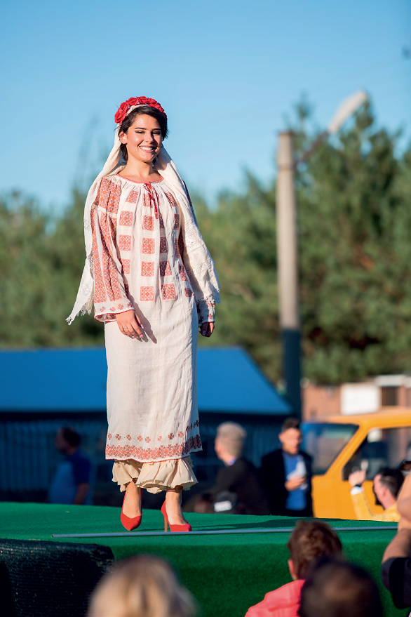 Andreea Maria Stîngaciu este Miss Deaf Europa
