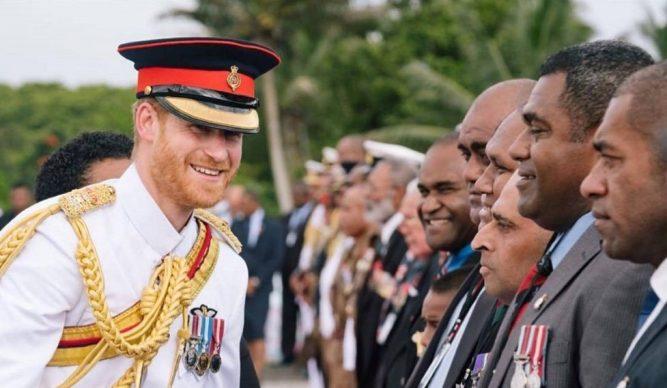 Cât de mult seamănă Prințul Harry cu bunicul său, Prințul Philip