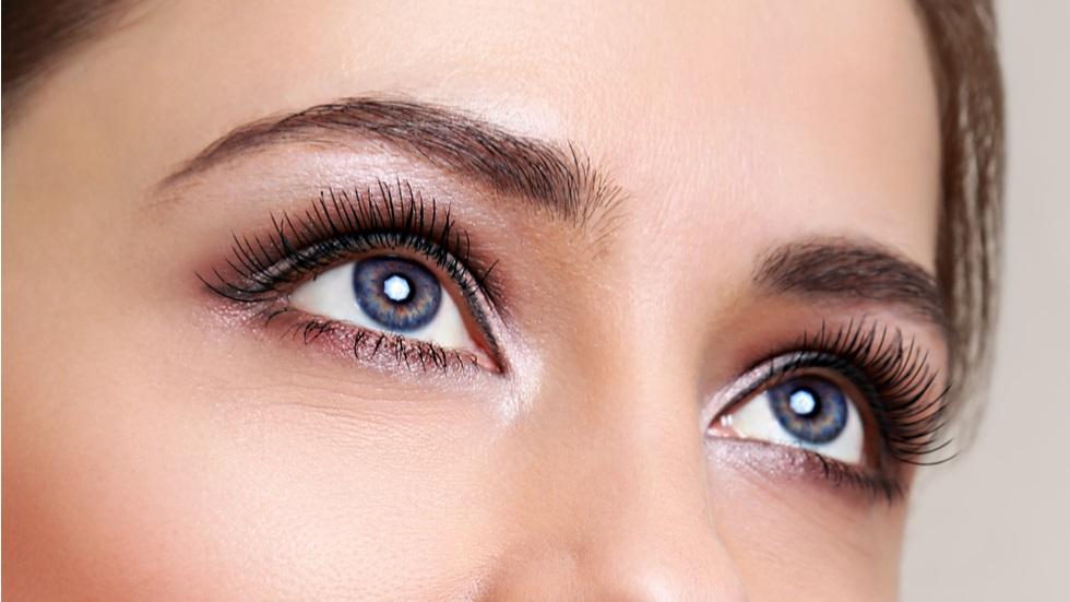 cum să te machiezi dacă vrei ca ochii tăi să pară mai mari