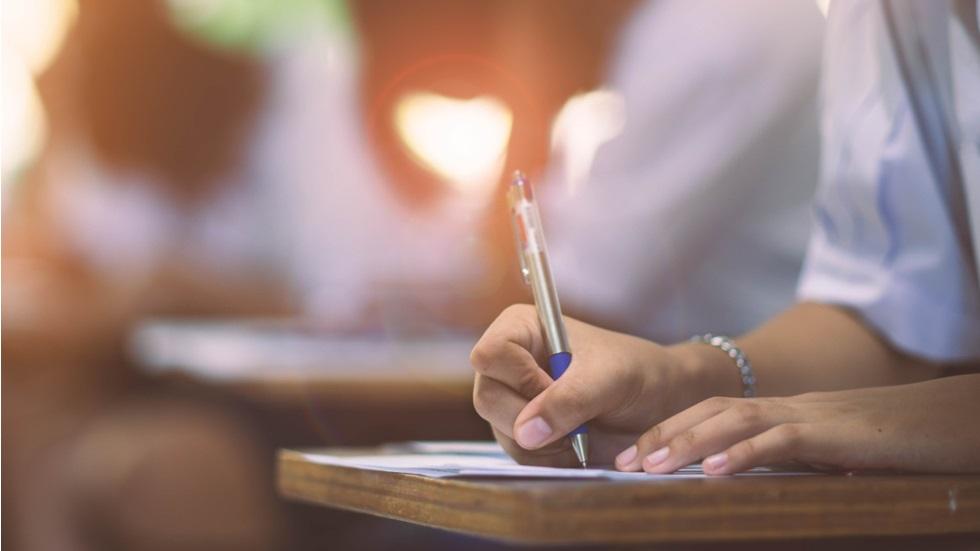 Ce a scris o elevă de liceu la simularea examenului de Bacalaureat