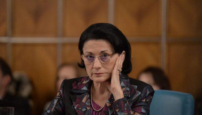 Admiterea în licee, o enigmă pentru ministrul Educației, Ecaterina Andronescu