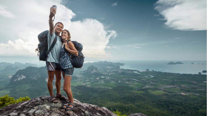 Selfie-urile au fost înlocuite cu stefdie-urile