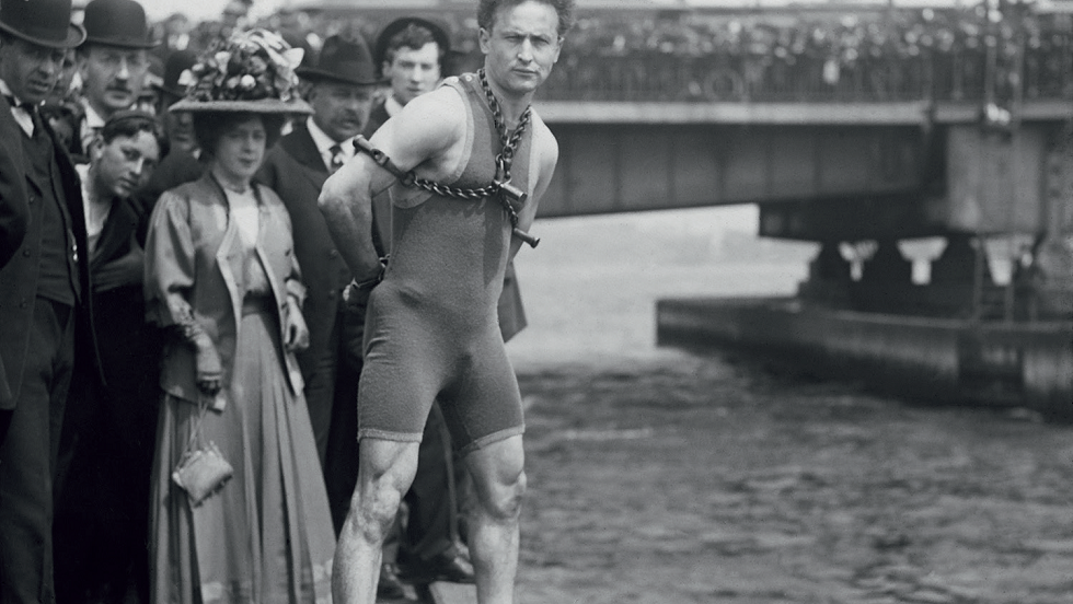 Mari magicieni ai lumii Houdini