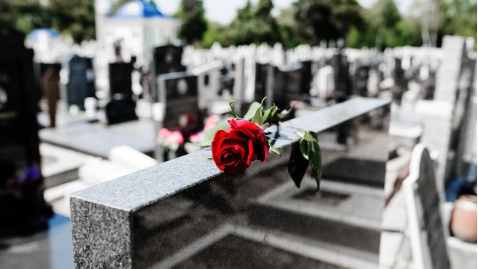 pietrele de mormânt vii