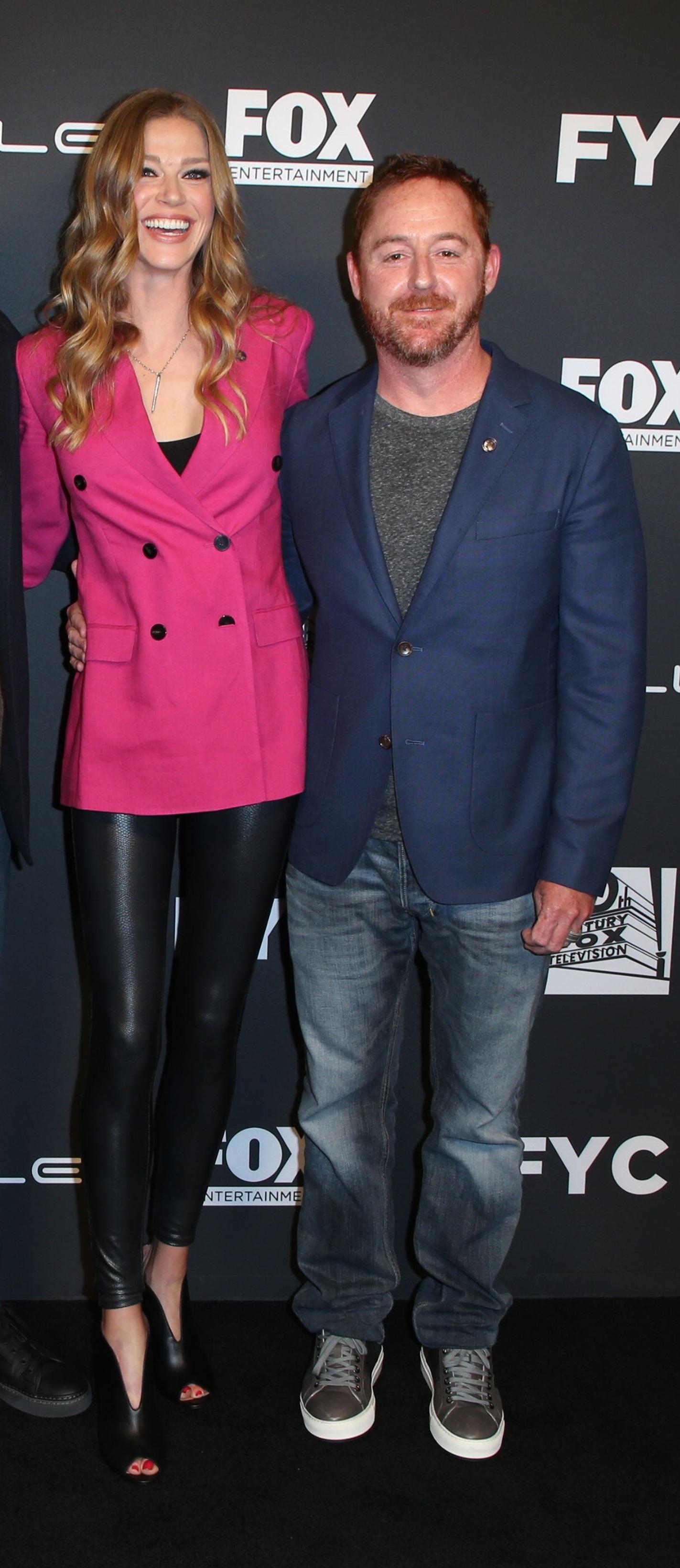 Adrianne Palicki și Scott Grimes