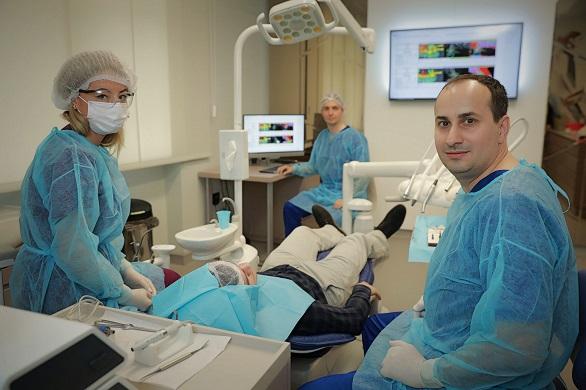 Implant fără tăieturi