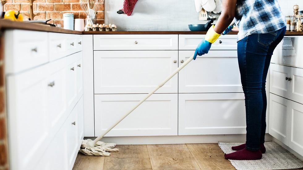 trucuri utile pentru a curăța casa mai repede și mai eficient