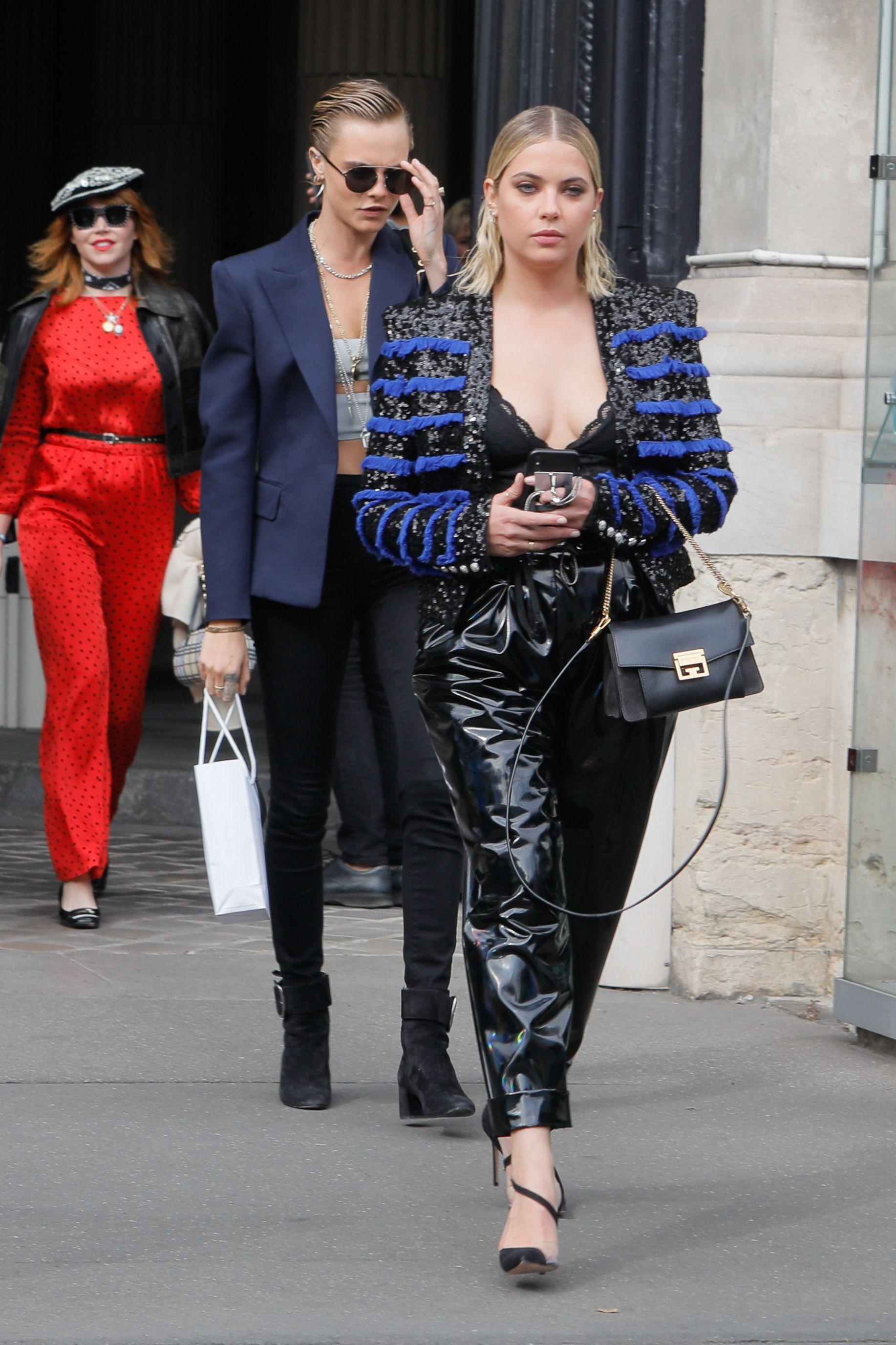 Ashley Benson si Cara Delevingne, Paris 2019