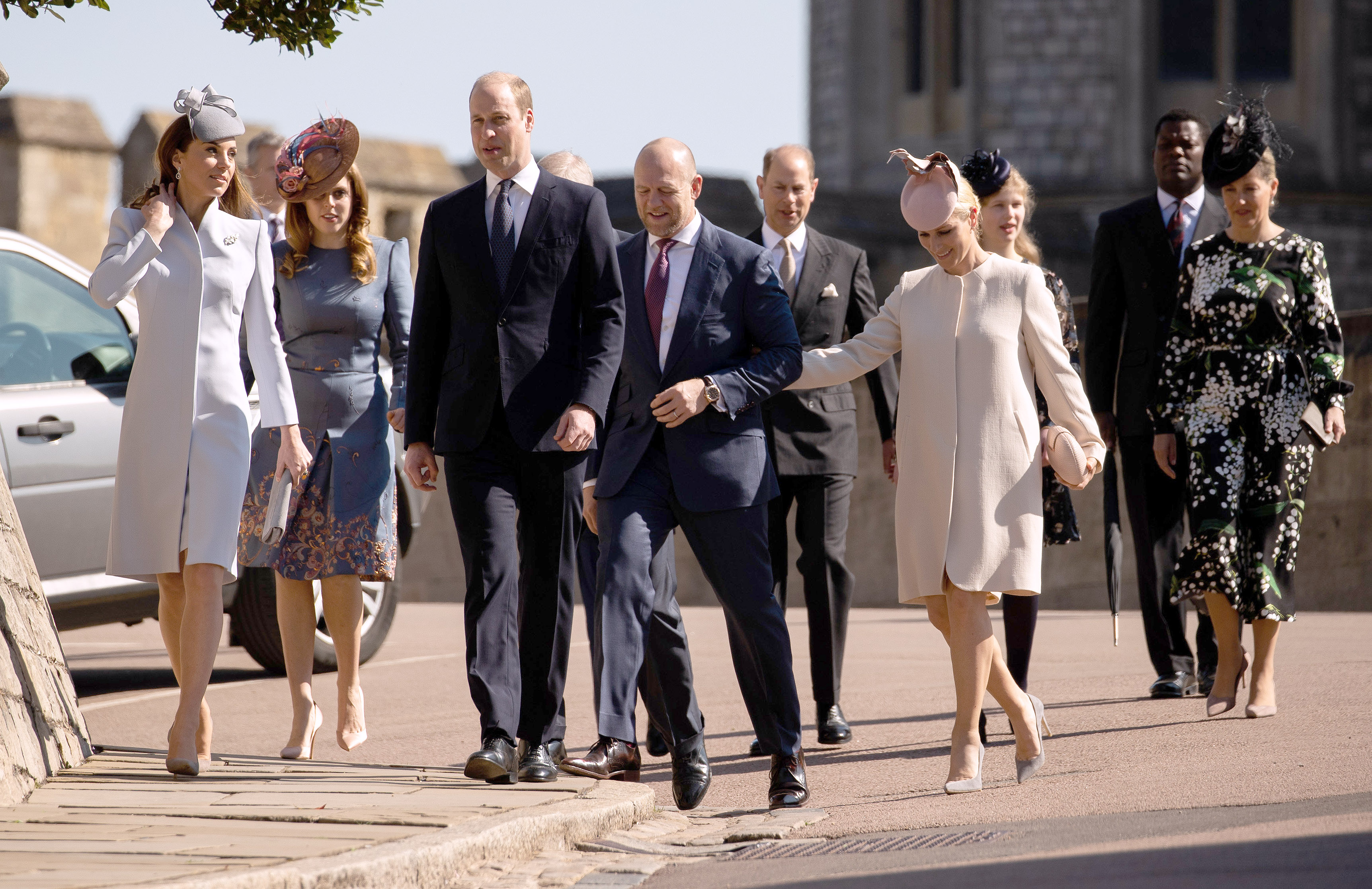 Familia Regală: Kate Middleton, Prințul William, Zara Phillips Tindall, Prințesa Beatrice, Prințul Eduard, Lady Louise Windsor, Prințul Andrew