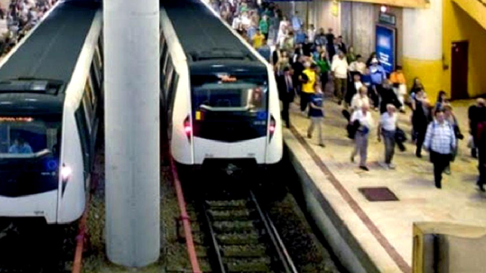 și-a tăiat venele la metrou Politehnică