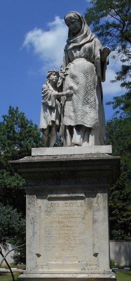 Statuia Anei Davila