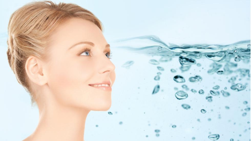 Top 5 produse de hidratare pentru o piele vizibil întinerită