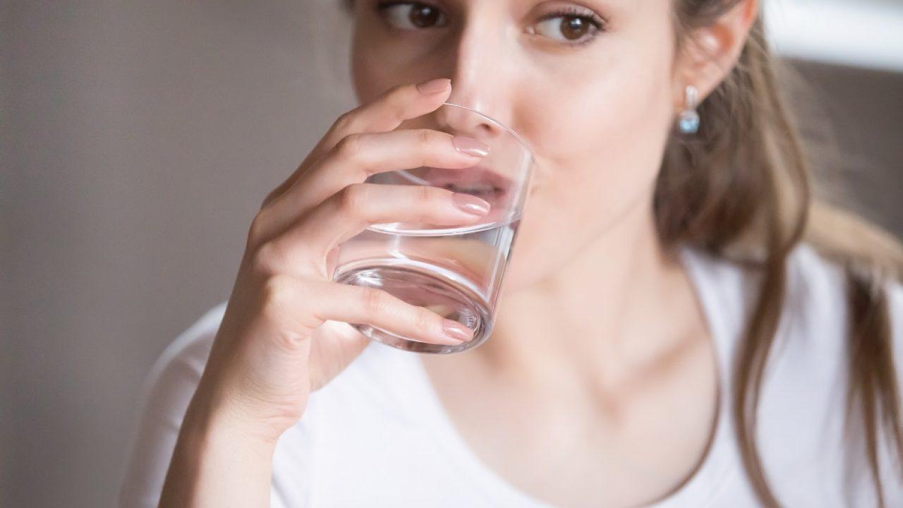 10 semne majore de lipsă de apă în organism
