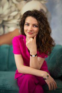 Dr. Daniela Diveica - medic specialist in chirurgie plastica si estetica